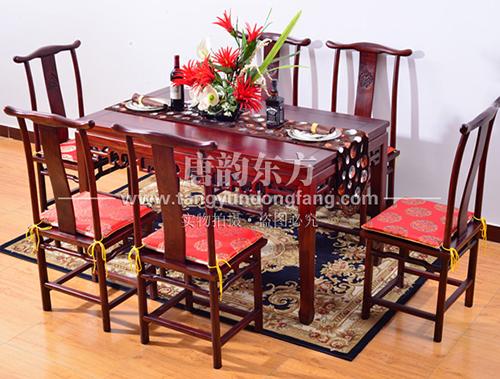天津于总只选择老榆木餐厅家具